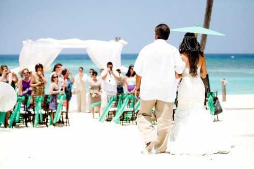 свадьба не в белом: платья, украшения, туфли и не только